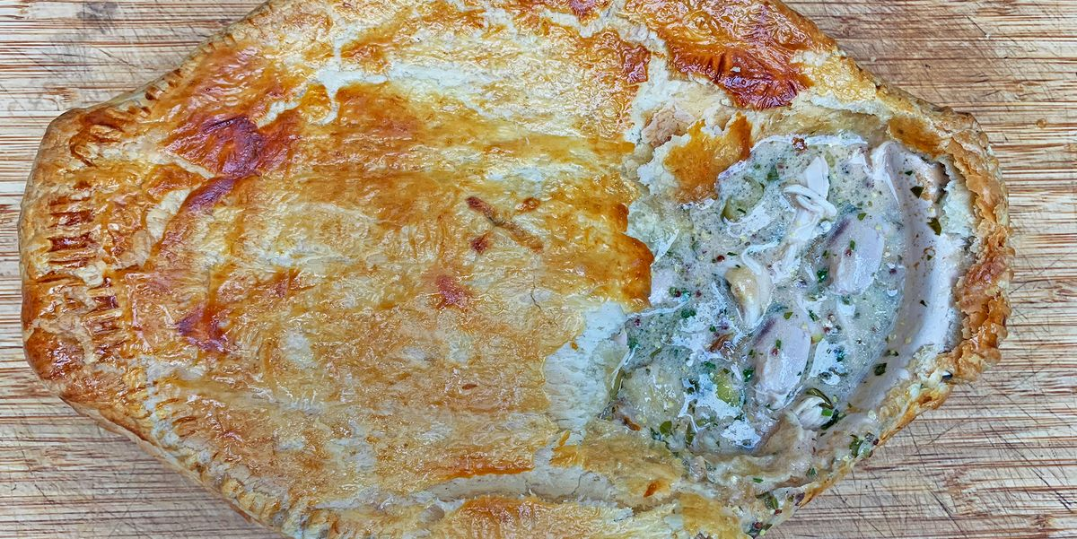 This Chicken And Mushroom Pie Only Needs 6 Ingredients