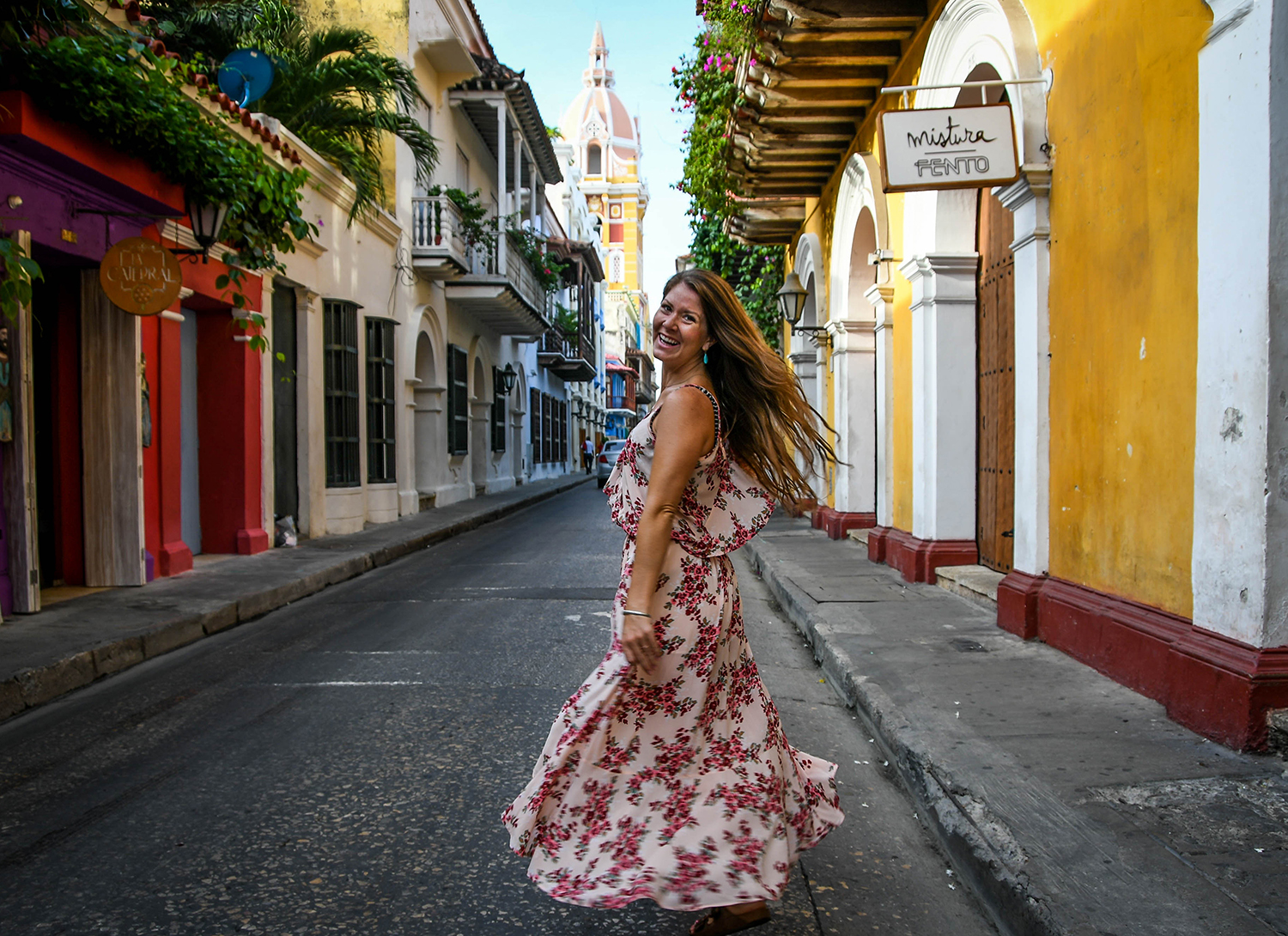 26 Best Things to Do in Cartagena (and What to Eat!)