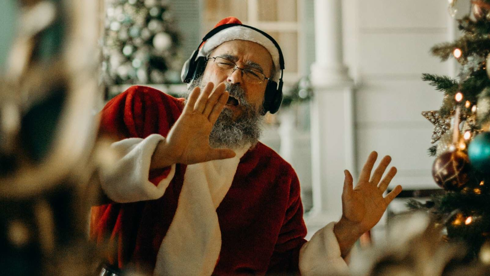 Radio Stations Playing Christmas Music Early in 2020