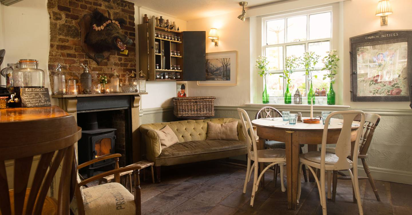 The best country pubs near London to book now