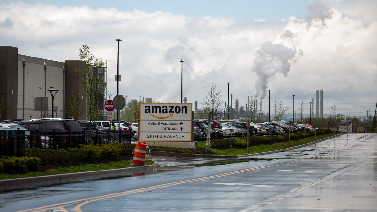 Amazon Launches Another Union-Busting Campaign