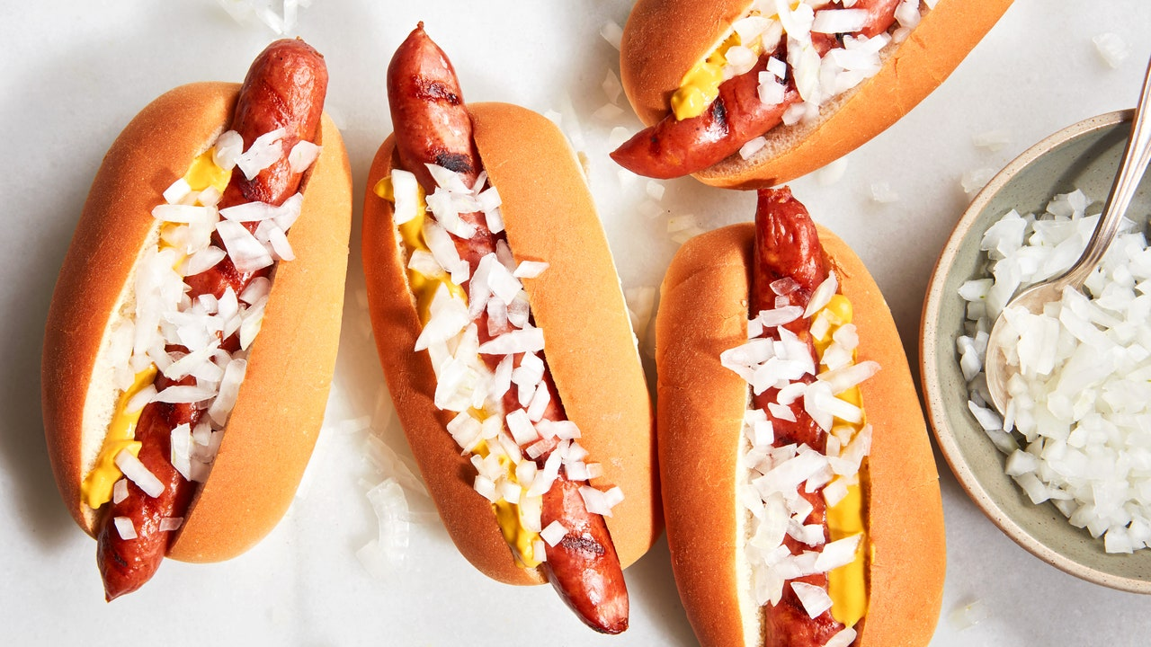 The Best Turkey and Chicken Hot Dogs You Can Buy at the Store or Online