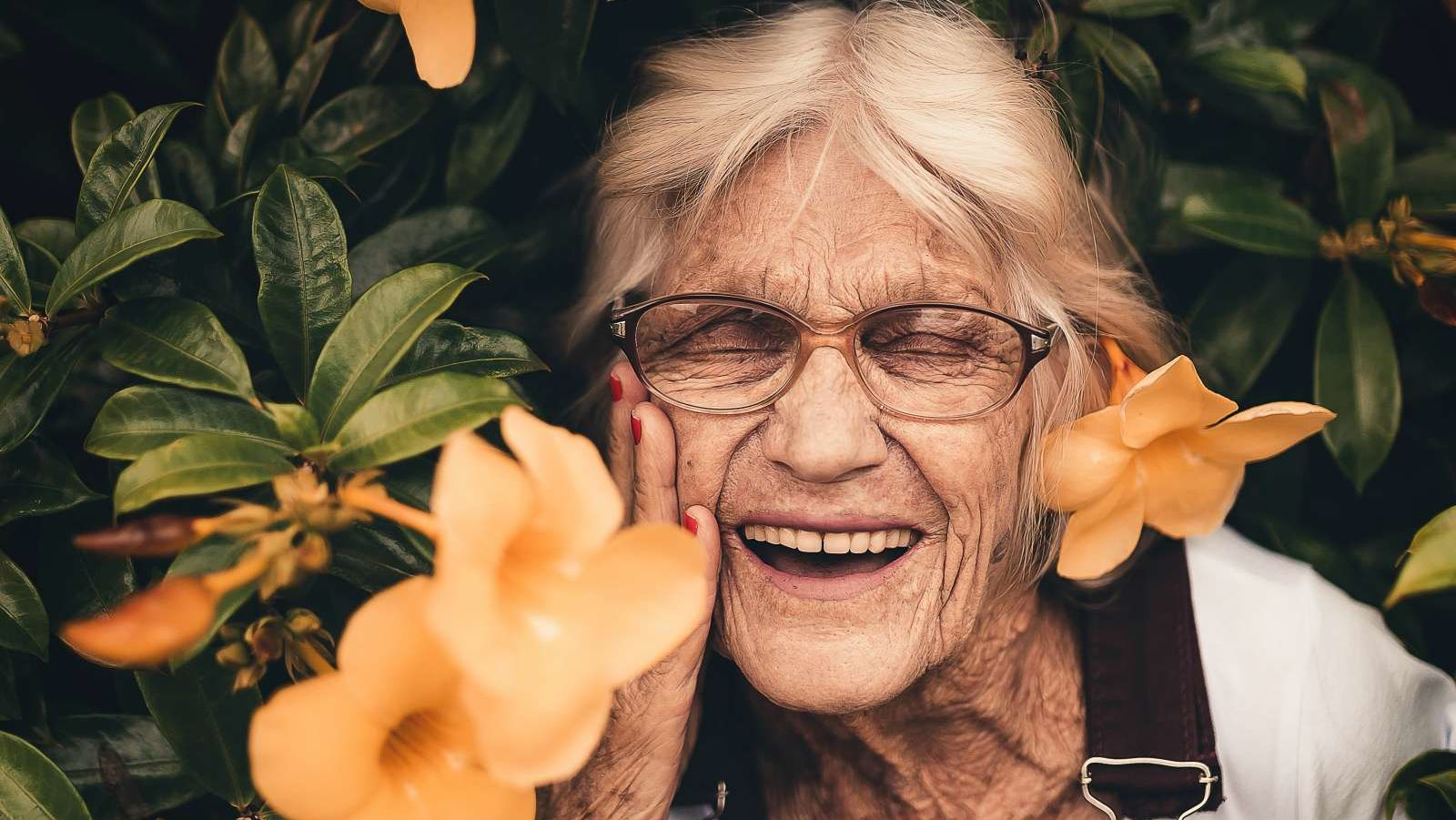 9 Ways to Live a Really Long Time, According to the Oldest People Ever
