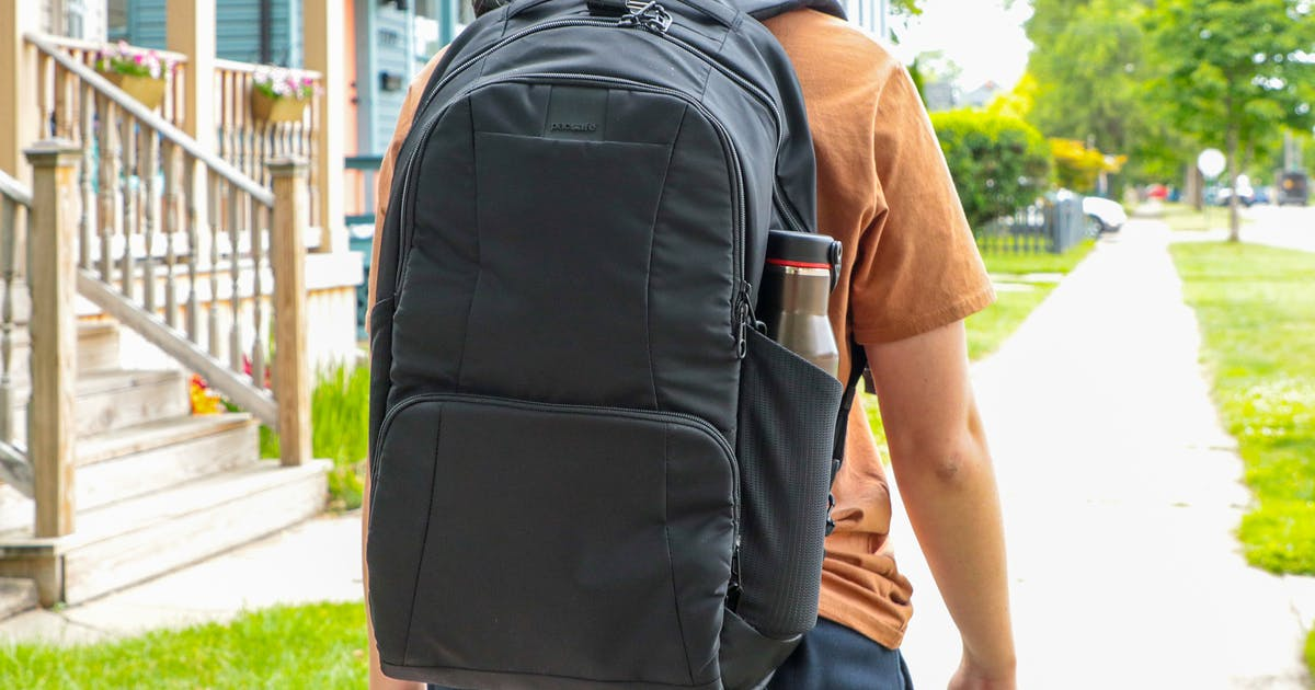 Pacsafe Metrosafe LS450 Anti-Theft Backpack Review
