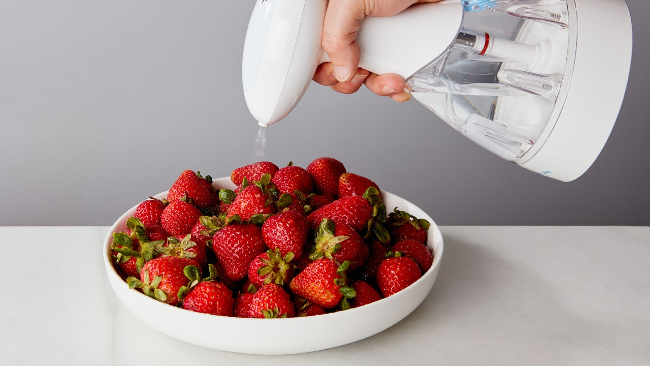 This Spray Bottle Turns Regular Water Into Household Cleaner