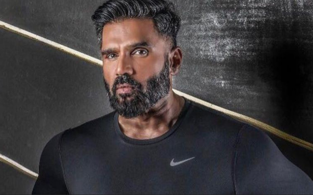 Suniel Shetty discusses his fitness journey as the host of wellness show, '21 Din Wellness In'