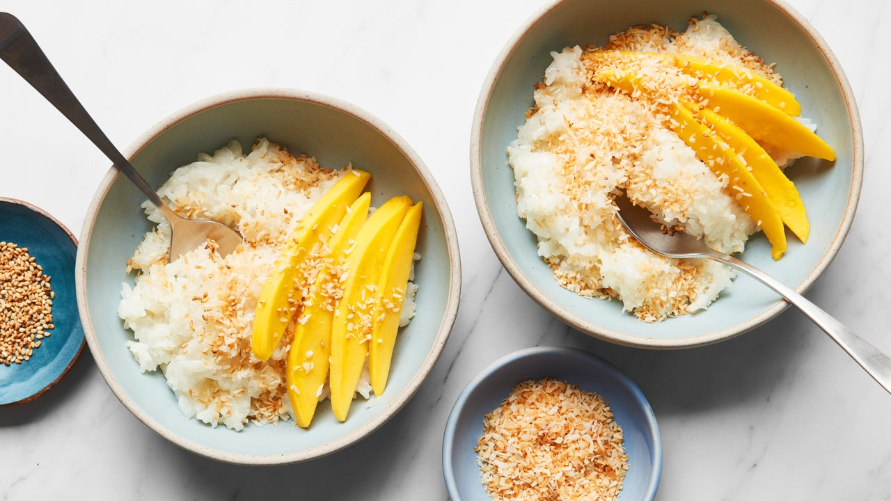 You Can Make Great Coconut Sticky Rice in the Microwave