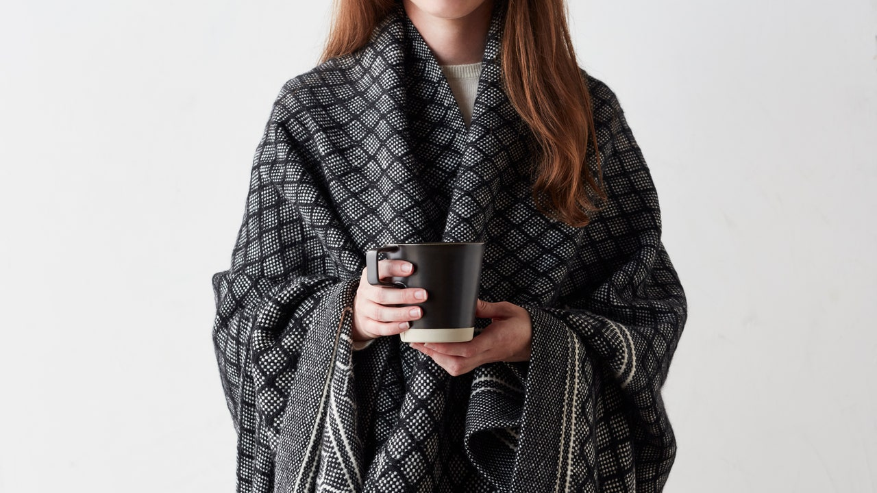 A Massive Scarf Is the Key to Eating Outdoors This Fall