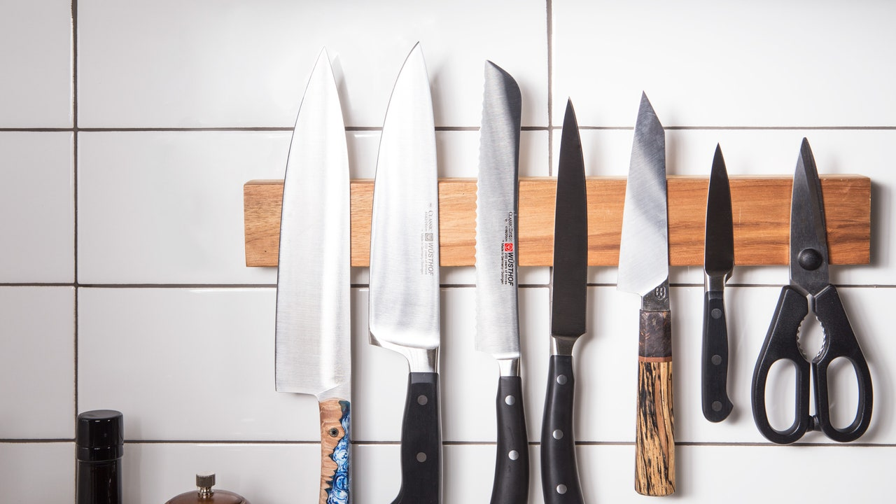 Best Knife Blocks, Docks, and Magnetic Strips to Store Knives (2021)