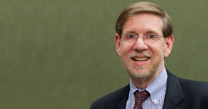 Former FDA Leader With HIV Background to Spearhead COVID-19 Efforts
