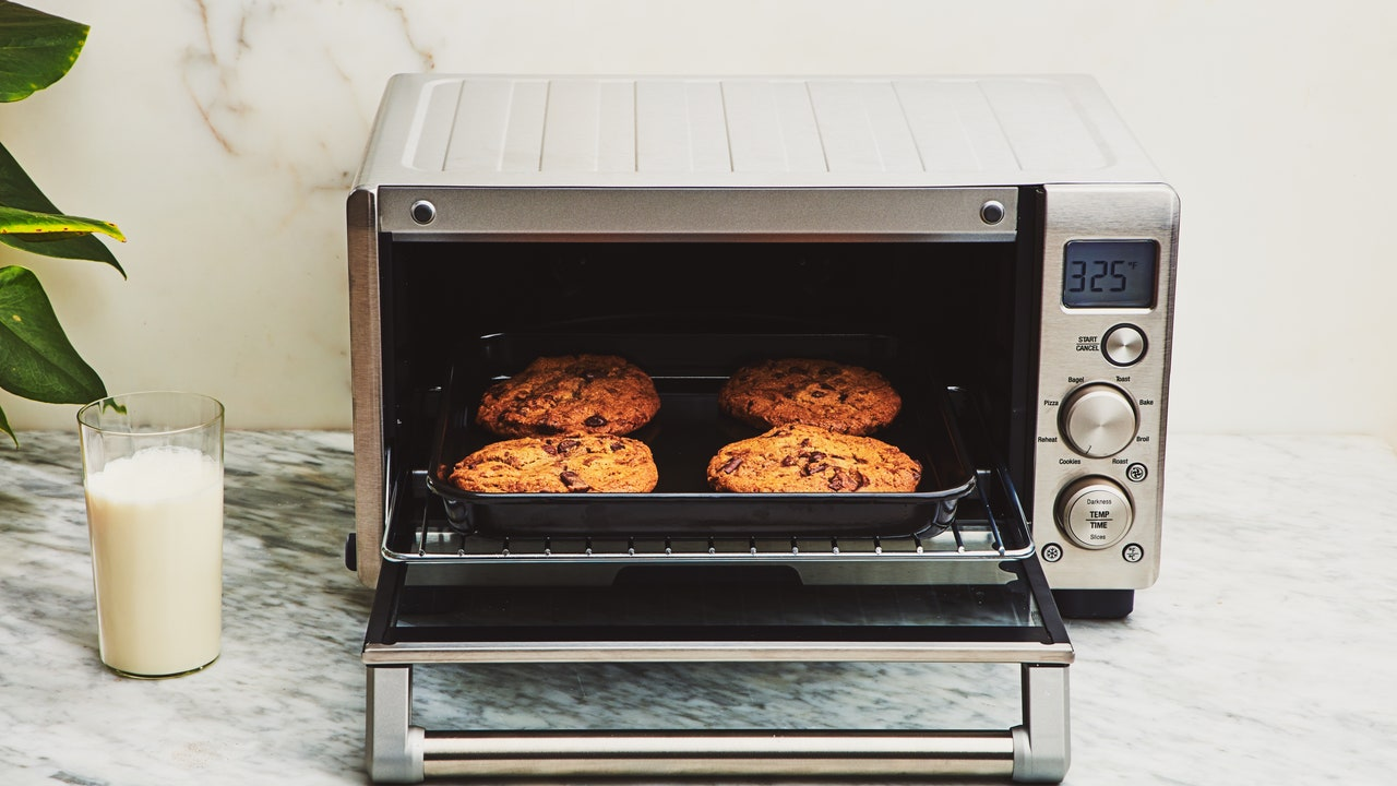 3 Toaster Oven Cyber Monday Deals: Our Favorite Models from Breville