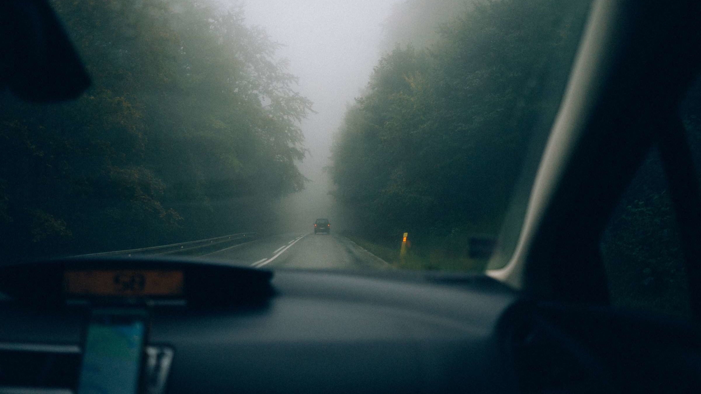 How to Defog Your Windshield, According to a Former NASA Engineer