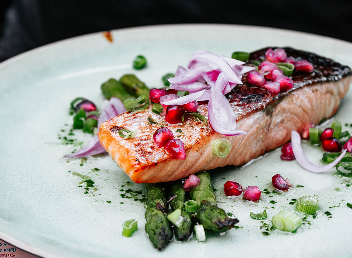 6 Ways Eating Fish Can Help You Lose Weight, Say Dietitians
