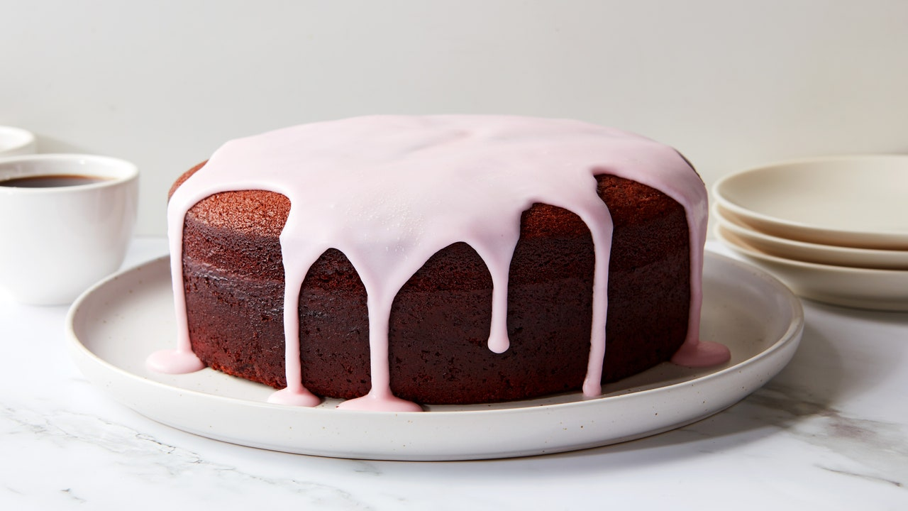 Use a Tall Cake Pan for Bigger, Better Desserts