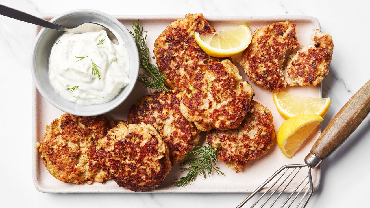 You'll Want These Easy, Crispy Salmon Cakes for Lunch and Dinner