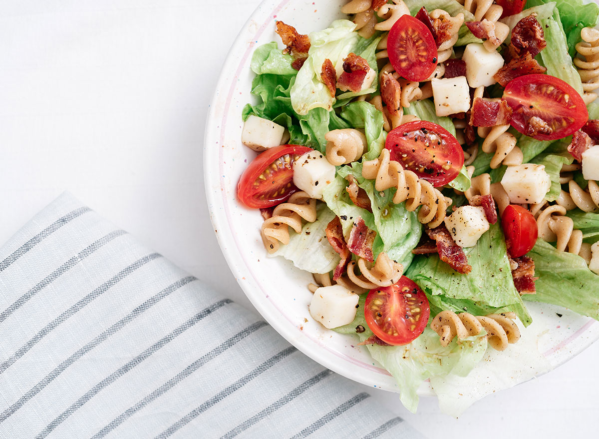 Healthy Foods To Bring on Picnics, Say Dietitians