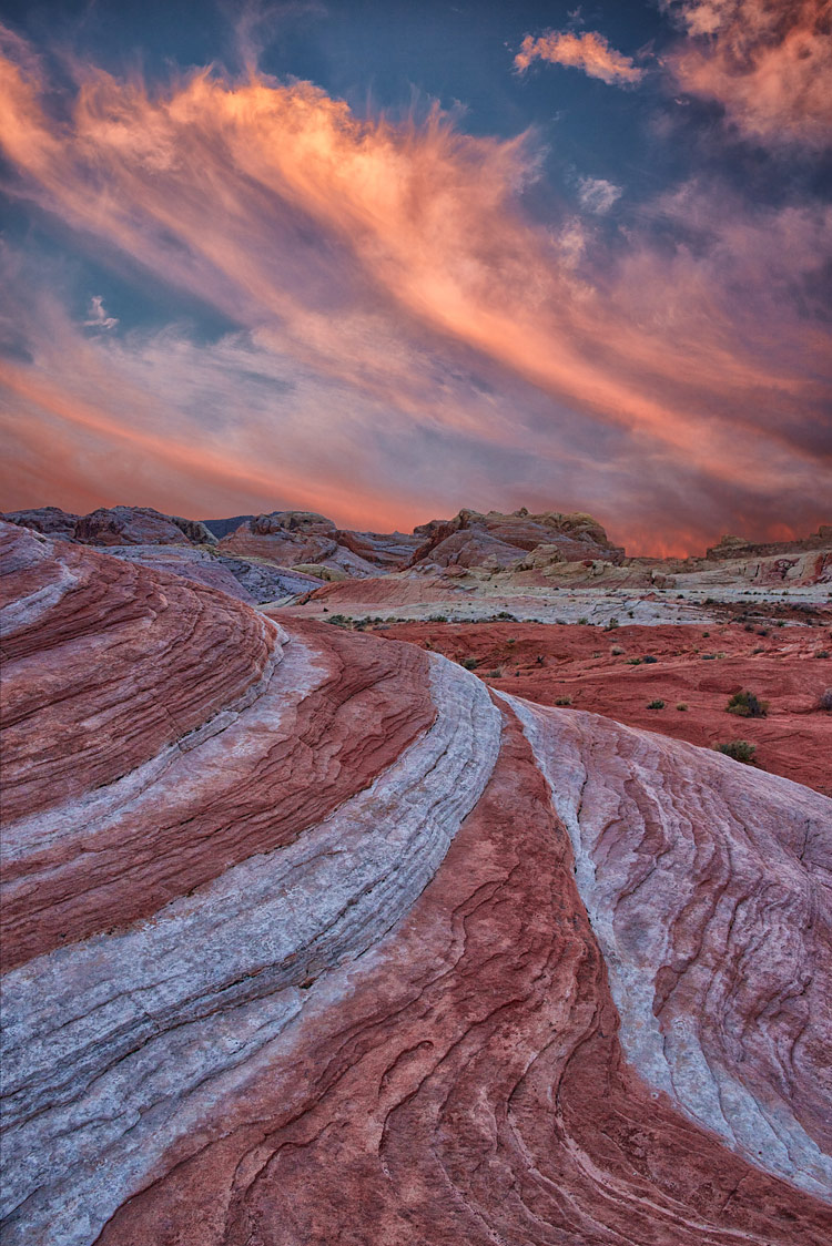 Desert Leading Lines, Valley of Fire State Park, Nevada, USA