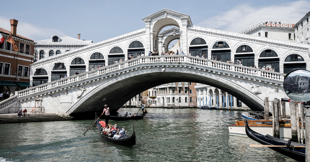 As Italy Reopens, Tour Guides Plead for More Aid, and Tourists