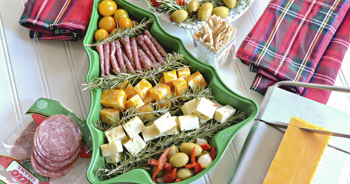 Dress Up Holiday Appetizers with this Festive Christmas Hack