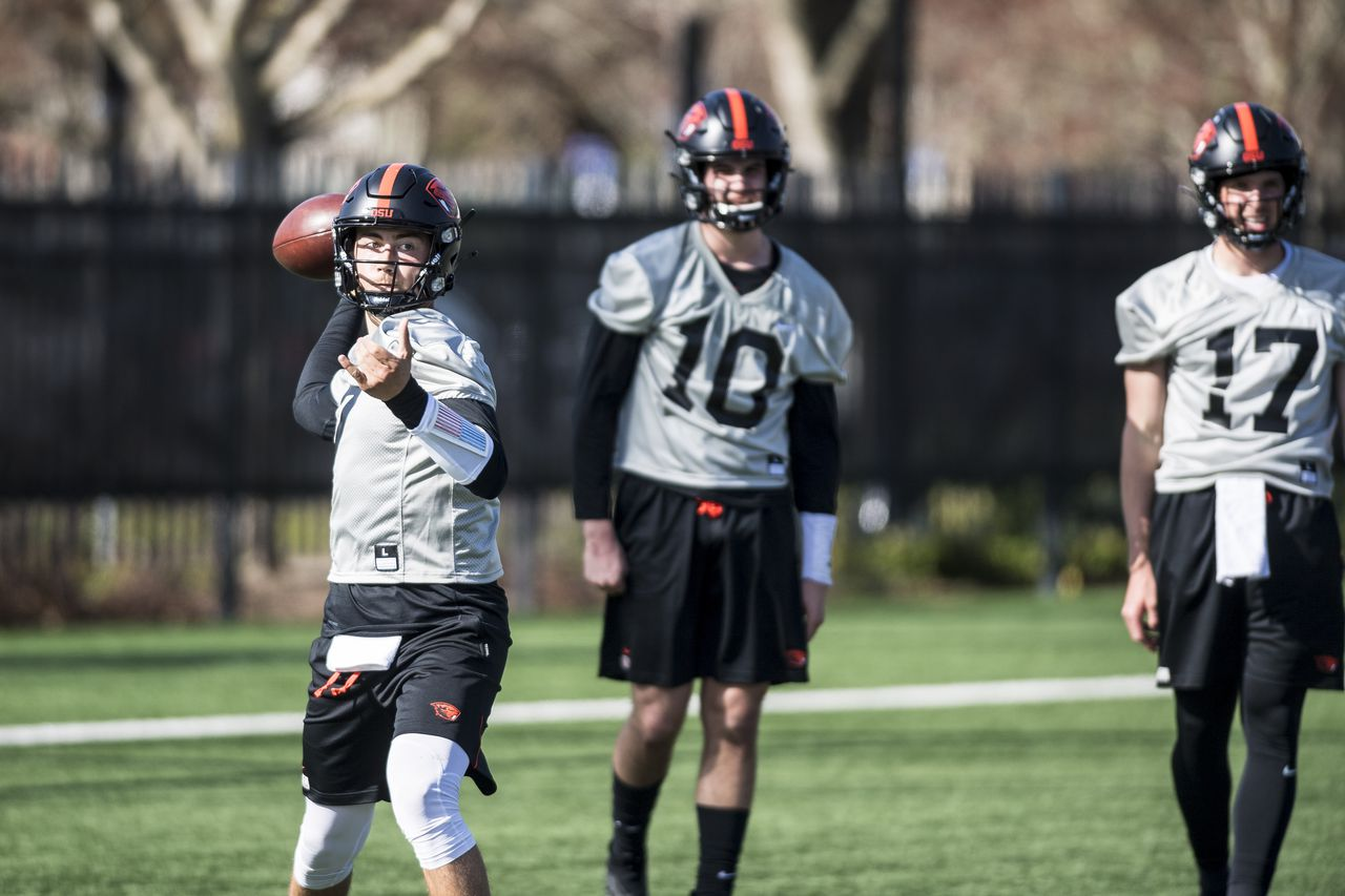 Oregon State mailbag: Who is surprising in spring football, basketball roster movement, can freshman Sam Vidlak start at quarterback?