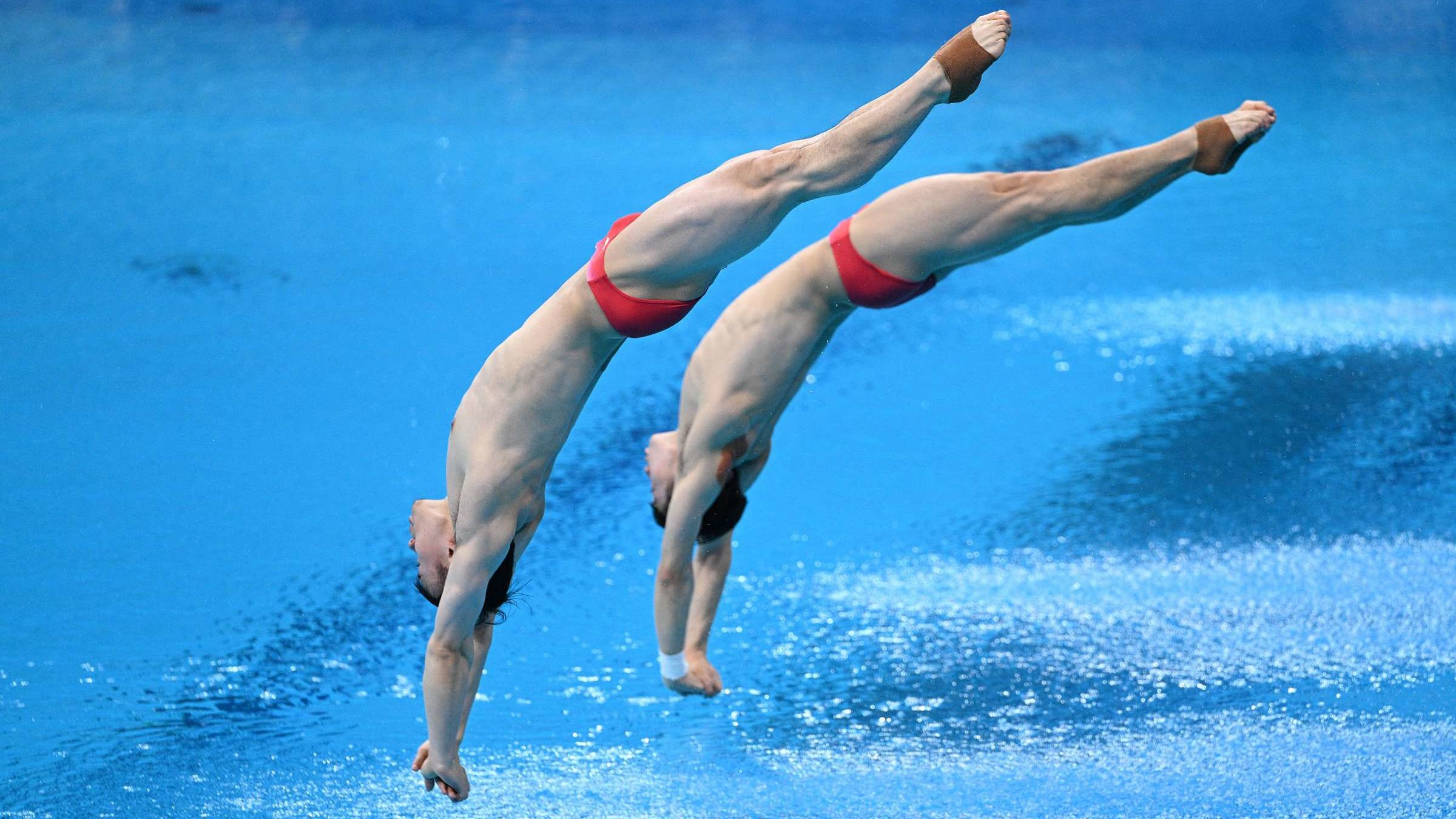 Why Do They Spray Water in the Olympic Diving Pool Between Dives?