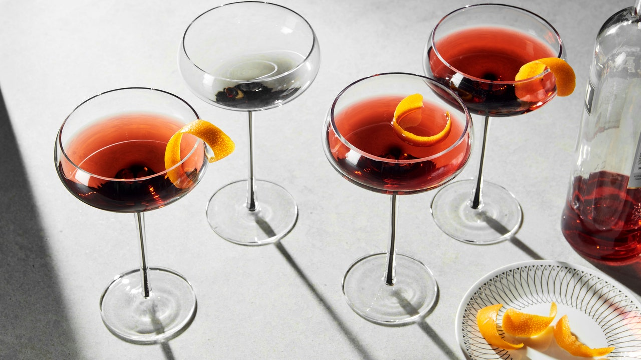 How to Clean Cloudy Drinking Glasses