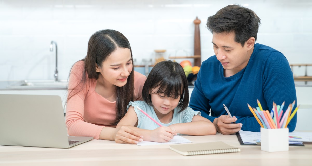 Financial Tips for Parents to Teach Their Children