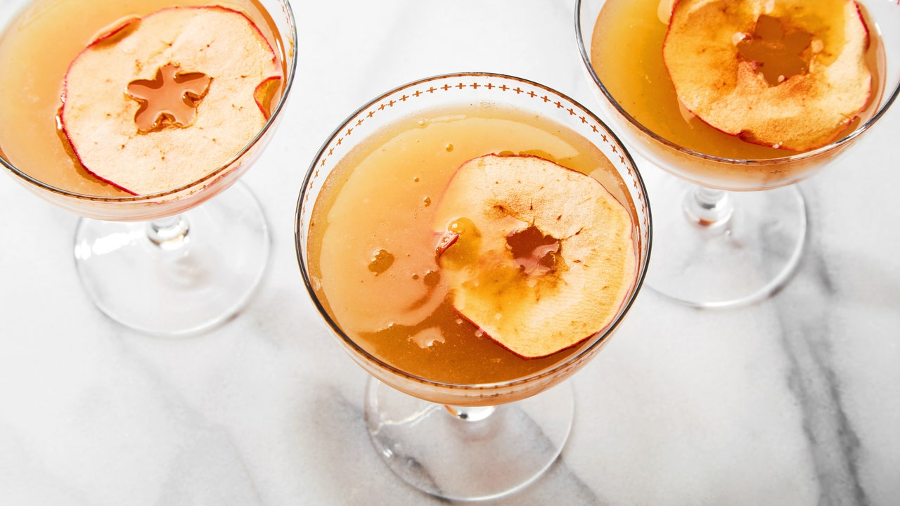 Have Your Thanksgiving Wine and Mix This Cocktail With It Too