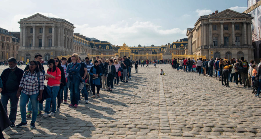 Beat the Crowds: How to Avoid Long Lines in Europe