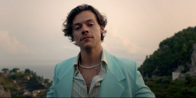 The Harry Styles 'Golden' Music Video Has Me Running Away From The Work Day