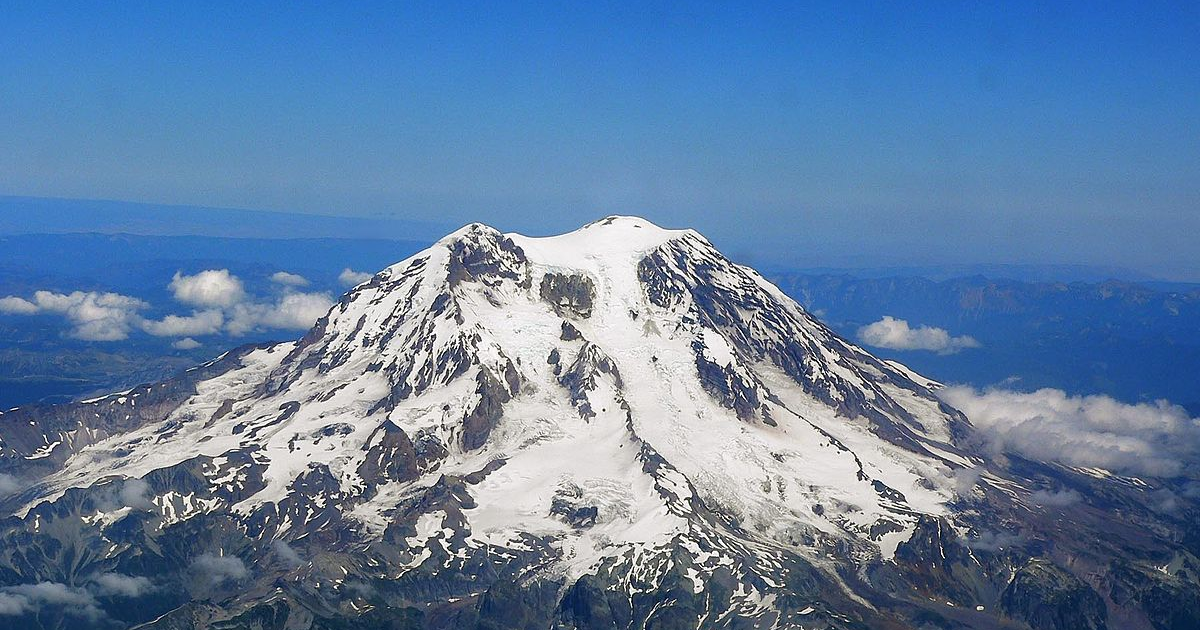 Stratovolcanoes Represent Only 1% of Total Volume in Cascades