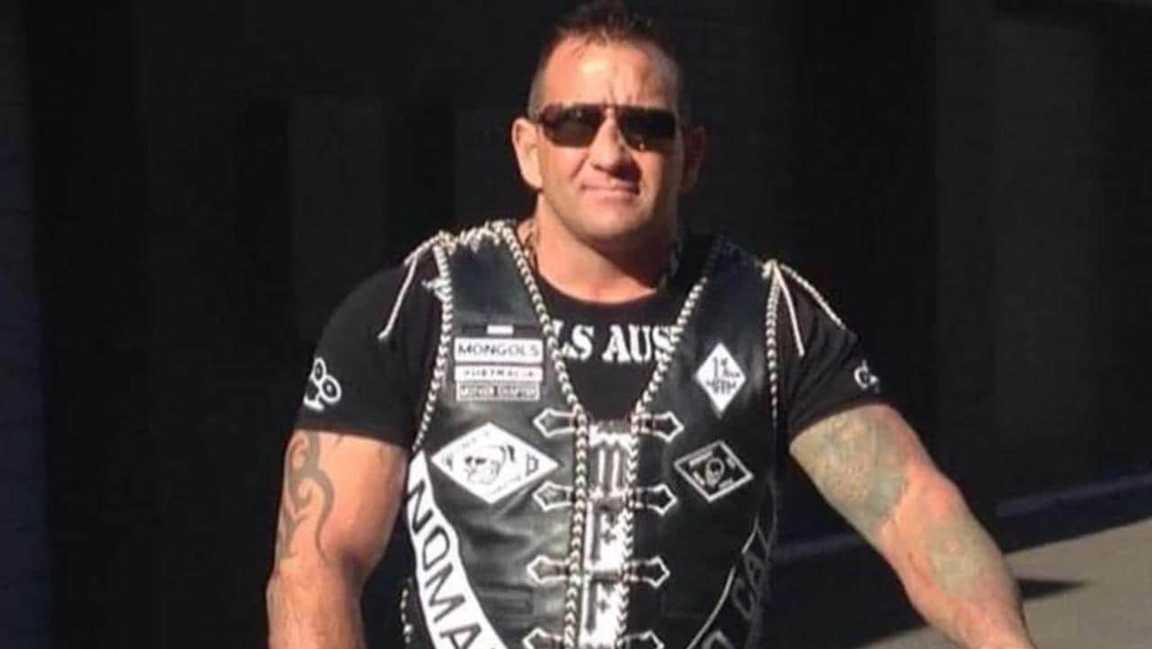 Gang associates linked to bikie execution caught getting fuel to burn cars: police