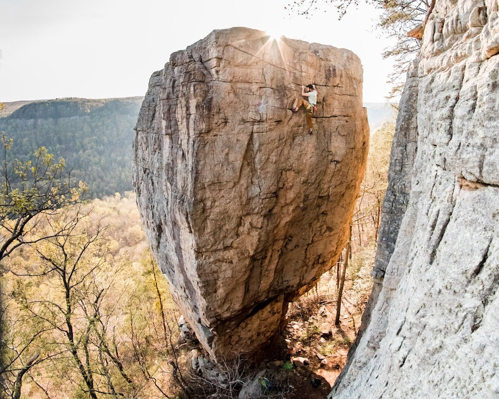 Climbers Group Buys Big New Climbing Area in Tennessee