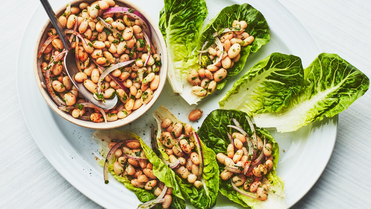 This White Bean Salad Is A Cheap Recipe for Summer