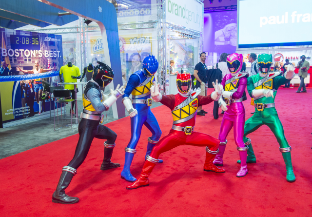 How They Cobbled Together The Mighty Morphin' Power Rangers From Footage of a Completely Different Japanese TV Show