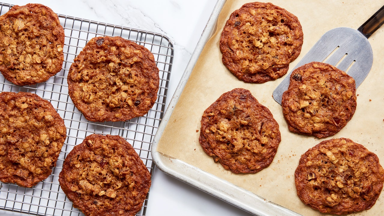 Forget Raisins. Oatmeal Cookies Are Better With Dates