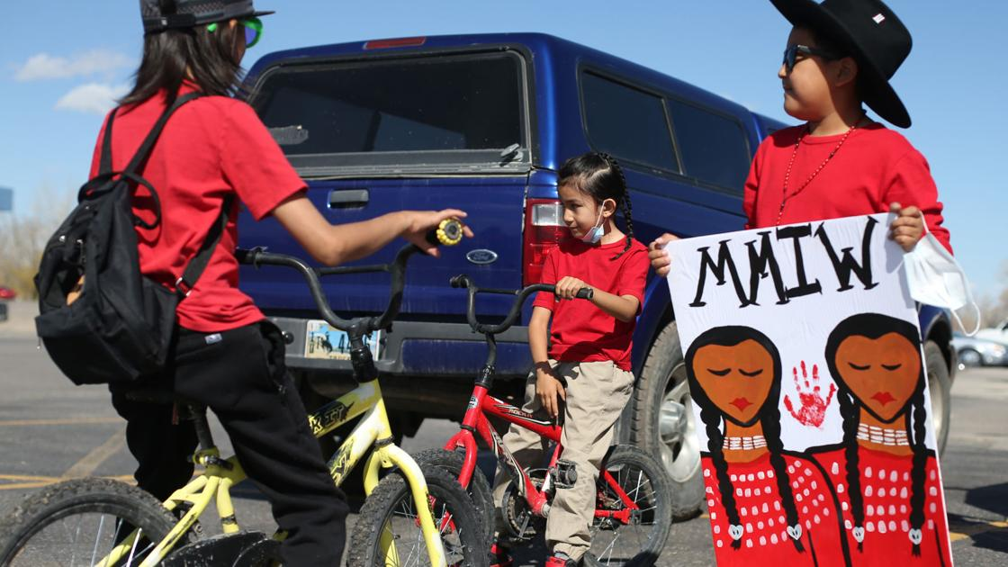 Hundreds march in Riverton in support of missing and murdered Indigenous people movement