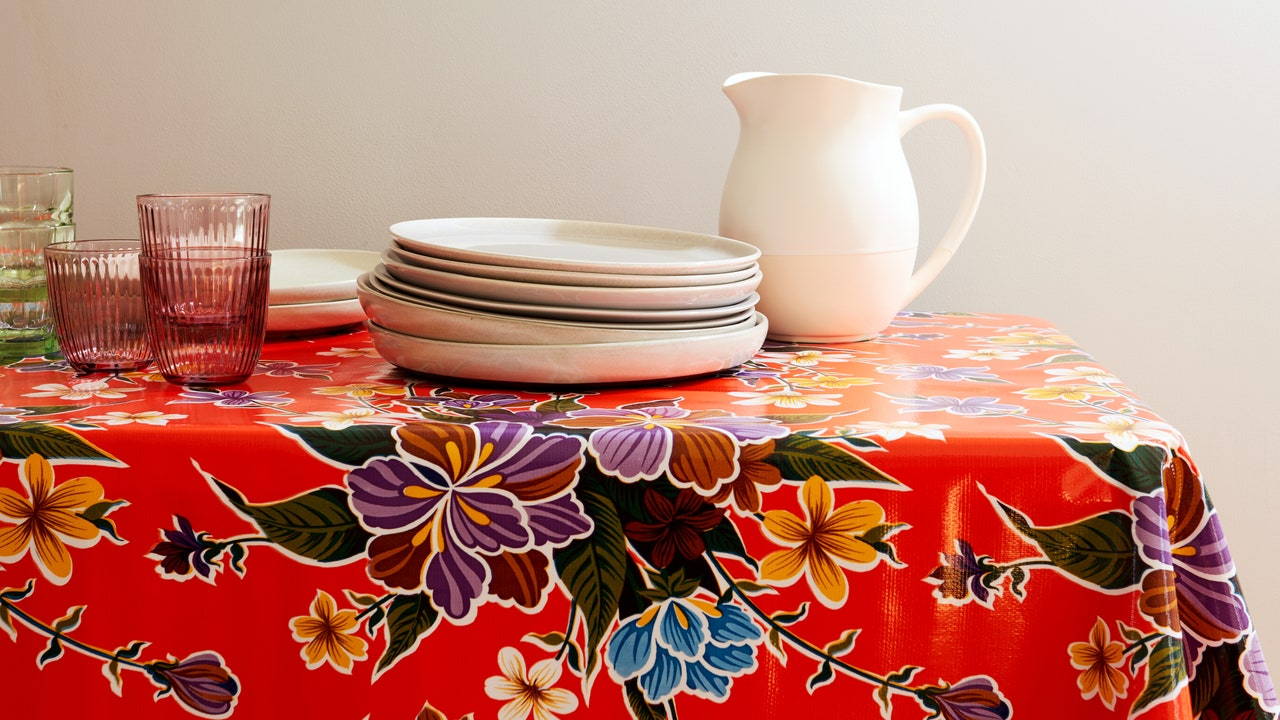 23 Wipeable Tablecloths That Are Actually Cute