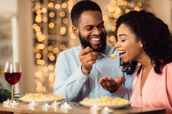 Top 9 International Dating Sites and Apps: Find Dates and Relationships (2021)