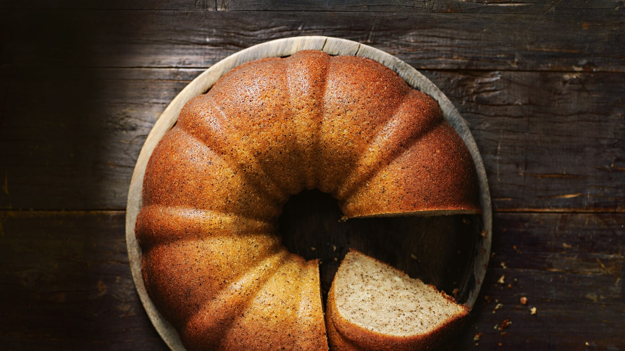 These 14 Beautiful Bundt Pans Make Effortlessly Fancy Cakes