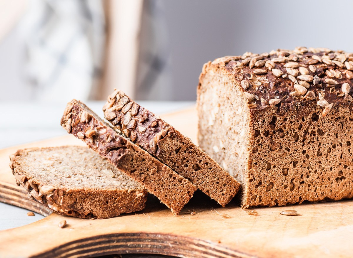 5 Ways Bread Can Help You Lose Weight, Say Dietitians