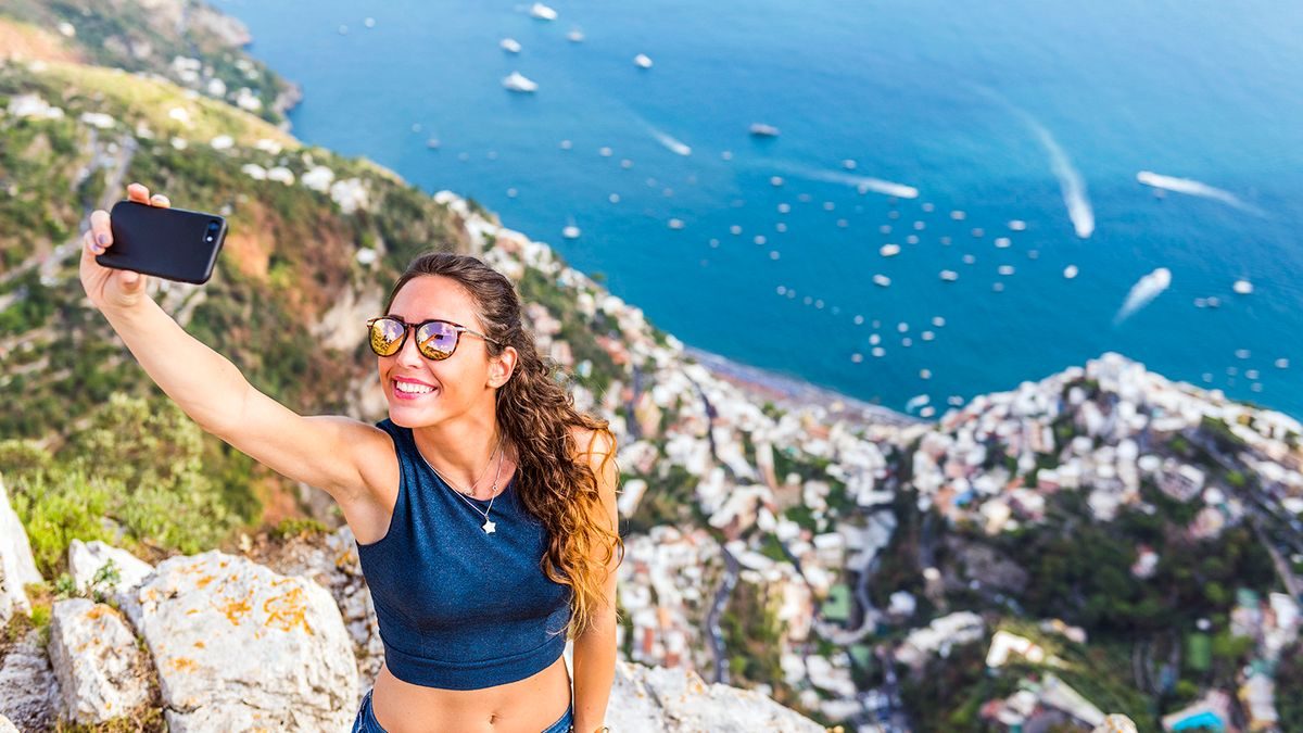 People Are Dying for the Perfect Selfie