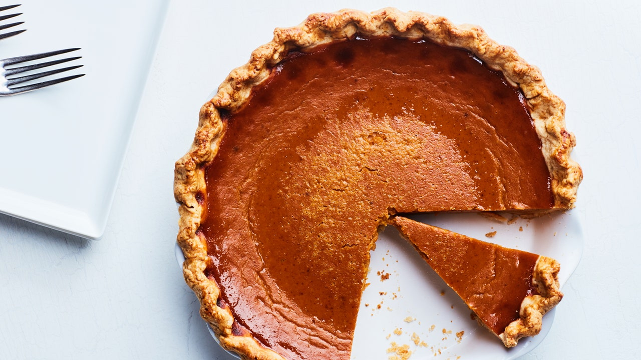 Thanksgiving Pie: How to Make Pie Crust and More