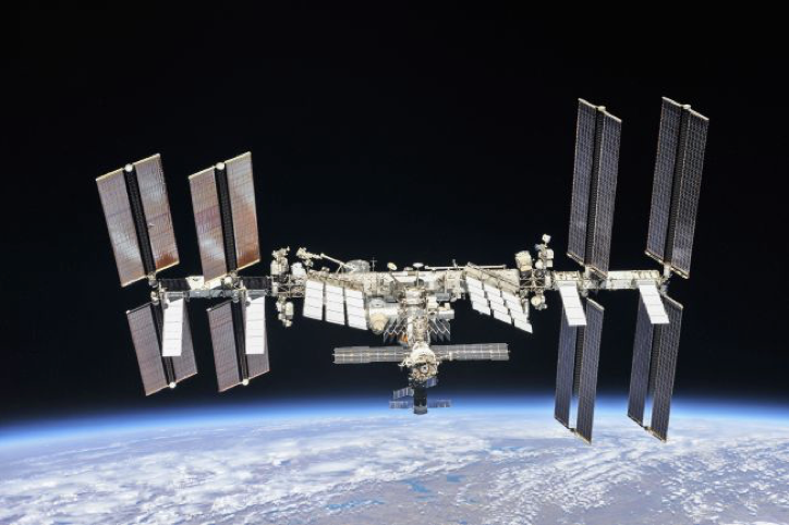 It's Past Time to Take Out Our (Space) Trash